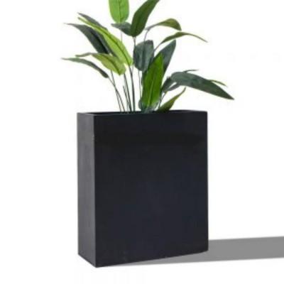 Chậu trồng cây composite trụ chữ nhật bề mặt nhẵn.